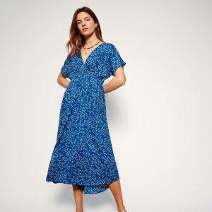 trinity-leonandharper-rimbo-daisy-robe-blue-silhouette