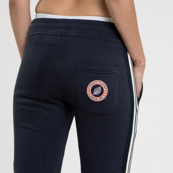 trinity-sweet-pants-pantalon-cross-slim-navy-fesse